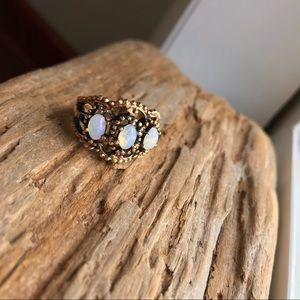 🌐 Vintage 3 Stone Genuine Opal Ring 🌐